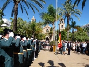 Что отмечают испанские жители 12 октября? 1
