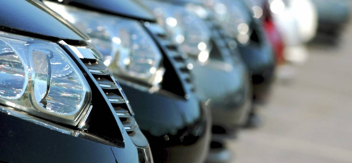 advantages of the automobile Automobile/homeowners discount is available only to policy holders who have both their auto andhome (or condo or renters) insurance through the aarp auto & home insurance programs from the hartford the homeowners product is not available in all areas, including the state of florida.
