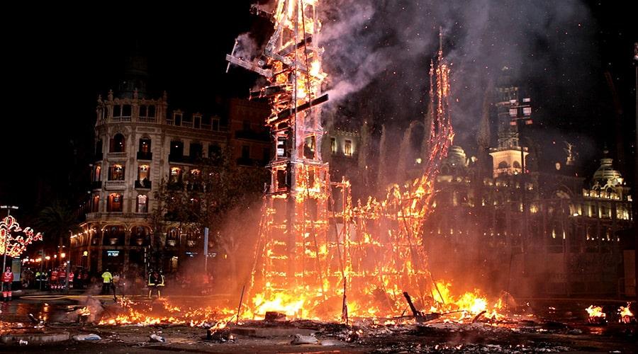 Праздник фейерверков в Валенсии