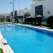 Бунгало для 4-5 человек в новом респектабельном жил/комплексе в 1,4 м от пляжа Ла Мата, Торревьеха.