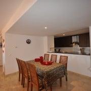 Апартаменты рядом с морем в аренду, в Пунта Прима, Коста Бланка, Испания-столовая