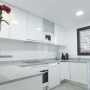 Апартаменты Arenales-8 4-6 в Эльче Аликанте-кухня-1