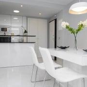 Апартаменты Infinity View в Торревьеха (Аликанте)-столовая-кухня