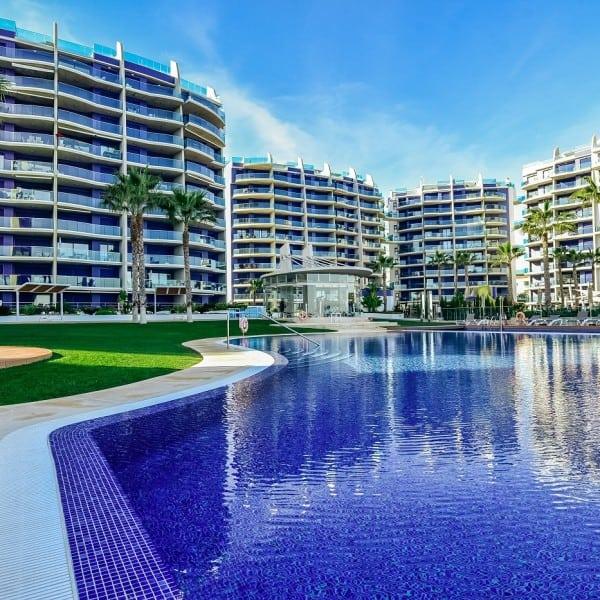 Апартаменты на первой линии в комплексе Sea Senses в Пунта Приме (Orihuela Costa)