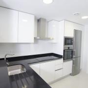 Апартаменты в Ocean View 6-7 1-я линия Аликанте-кухня