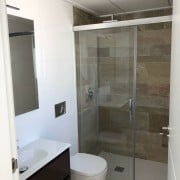 Три таунхауса в аренду в районе Вилламартин-ванная-1
