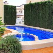 Двухэтажный дом с 3-мя спальнями, собственным бассейном и садом в Orihuela
