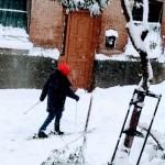 Лыжники в Мадриде . Зима в Испании 2021
